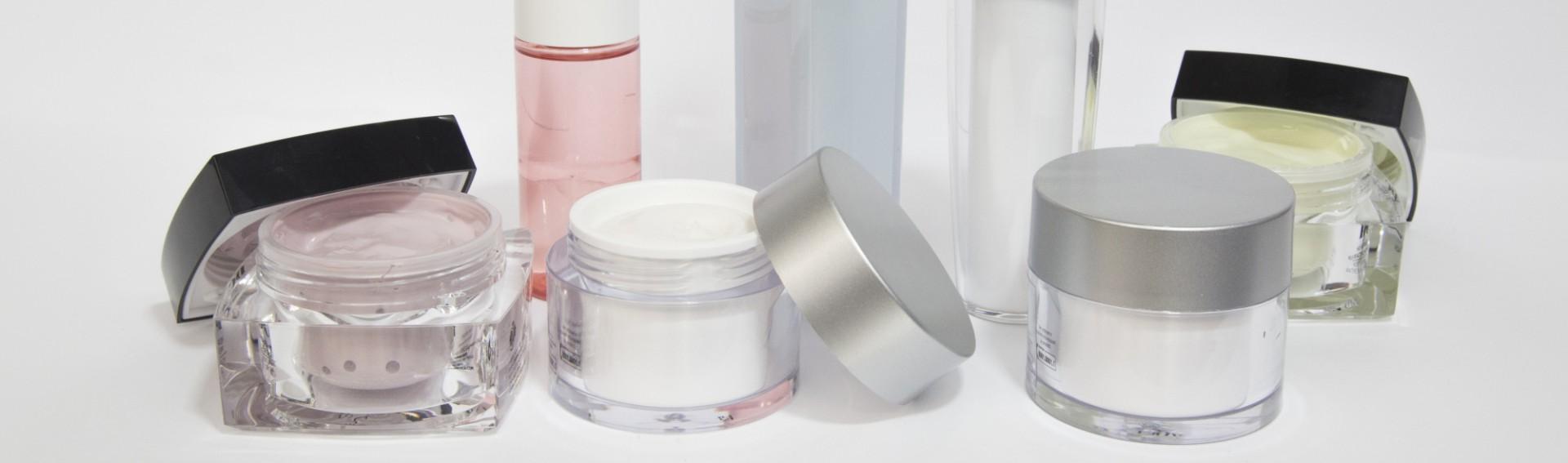 Sinerga sviluppa e produce una vasta gamma di prodotti dermocosmetici: