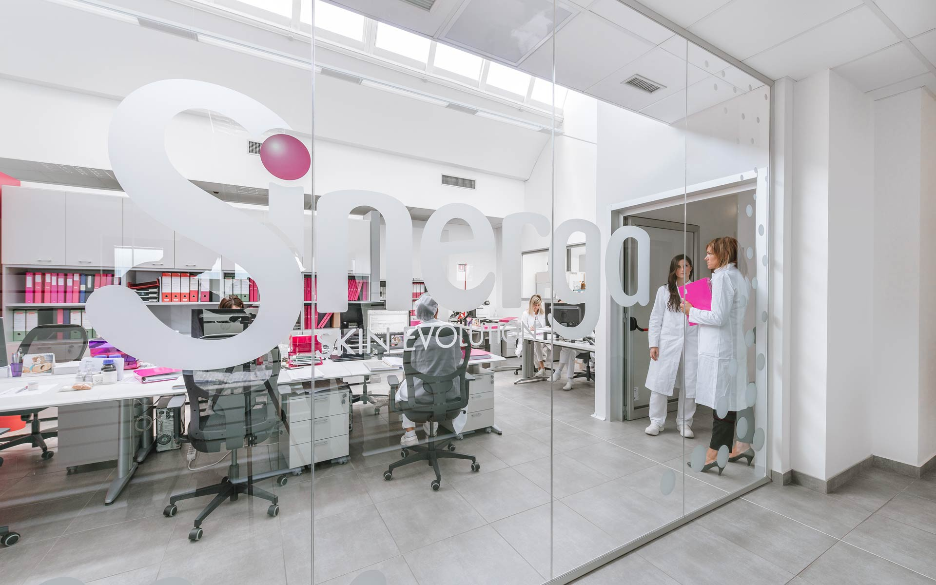 Sinerga, skin care manufacturer, strongly believes in the importance of recruiting the best specialists